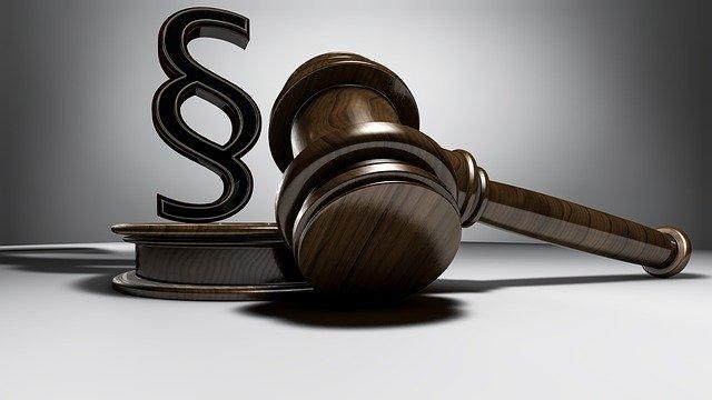 wyciąganie z problemów z prawem